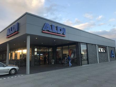 Eingangsbereich des neuen Aldi-Markts in Weyhe-Erichshof (10/2018)