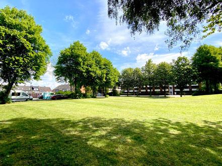 Grünanlage Wecholder Straße Kattenturm - das rund 4.700 m² große Grünareal befindet sich in guter Pflege (Foto: 05-2020, Jens Schmidt)