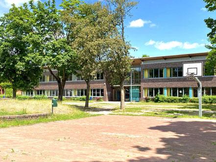 Blick vom Schulgrundstück der Oberschule Habenhausen (Foto: 05-2020, Jens Schmidt)