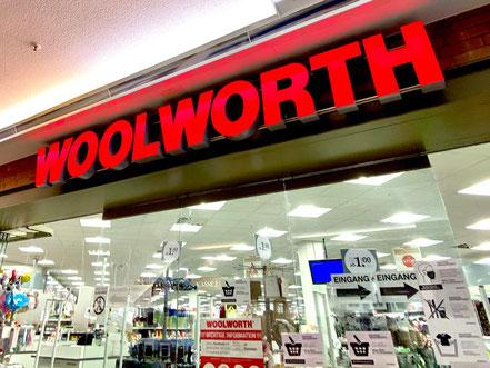 Waren des täglichen Bedarfs zum kleinen Preis: Woolworth im Bremer Werder-Karree, Bremen-Habenhausen, Bremen Obervieland