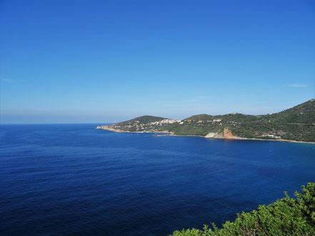 Blick zurück auf die Ortschaft Cargèse