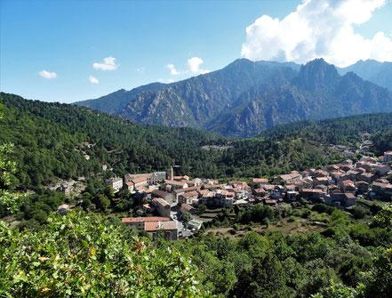 Die schön gelegene Ortschaft Ghisoni