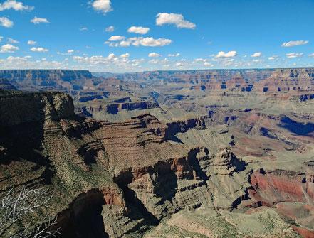 Motoglobe Motorradreisen. Vom Moran Point kann man den Grand Canyon überblicken.