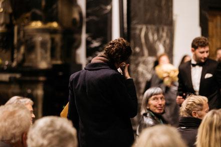 Uraufführung der Kantate Dorothea von Joël von Moos in Sachseln, mit Nadja Räss, Wolfgang Sieber, Eberhard Rex, Luzerner Sängerknaben und Orchester Santa Maria. Im Rahmen des Gedenkjahres Mehr Ranft 600 Jahre Niklaus von Flüe ( Bruder Klaus )