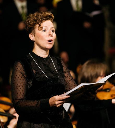 Solojodlerin Nadja Räss bei der Uraufführung der Kantate Dorothea von Joël von Moos