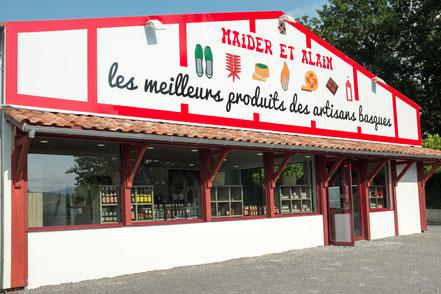 vue extérieure de la façade de la boutique Maider et Alain