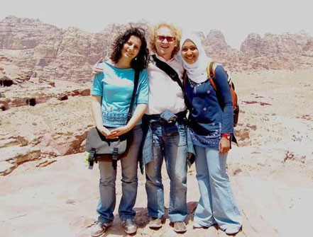 From left to right: Rana, Vlado Franjevic and Eman in Petra, Jordan 2006