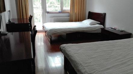 中国 大連外国語大学 学生寮 二人部屋