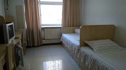 中国 北京語言大学 学生寮17号楼 2人部屋室内