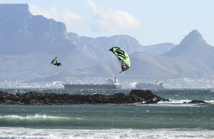 MEGALOOP in Cape Town  |  (c) Jim Gaunt