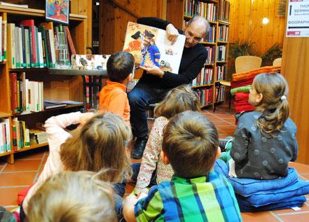 Stadtbücherei Gmunden. Vorlesestunde