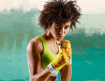 Boxerin klar zum Kampf gegen die Abgespanntheit
