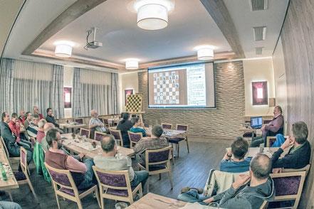 Topalov verbessert die Spasski-Empfehlung, aber in Böhlerwerk spielt man schon länger so...
