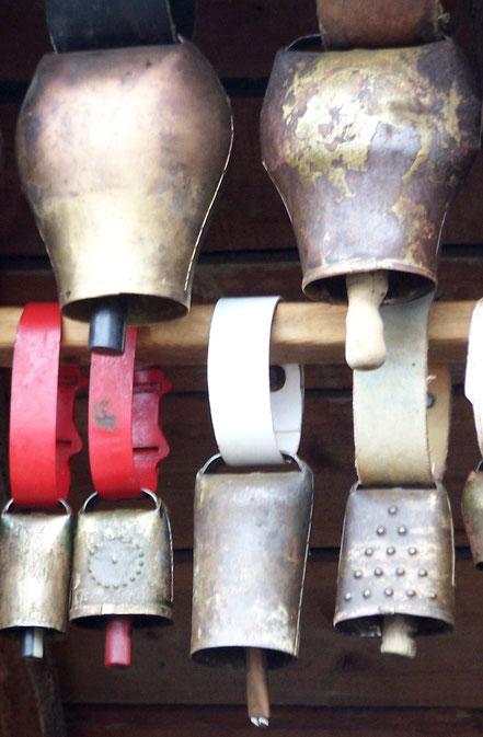 """Sonnailles """"instruments de musique"""" du bétail en montagne"""