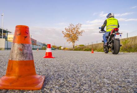 Motorradfahrstunden Grundfahraufgaben