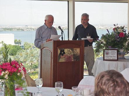 Wilhelm Hufnagl, James Nicholas in Galveston. Ein gemeinsamer Vortrag über Oleander in Europa und die Verlesung von Grußbotschaften.