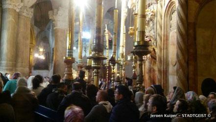 In een synagoge in de oude binnenstad van Jerusalem.