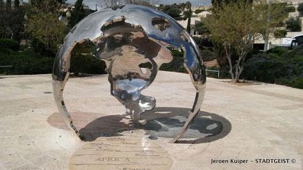 De zilveren wereldbol: Jeruzalem als centrum van de wereld