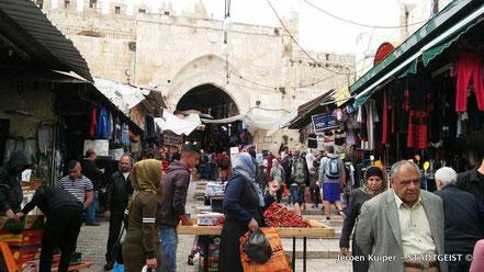In de oude binnenstad van Jeruzalem, nabij de 'Damascus Gate'.