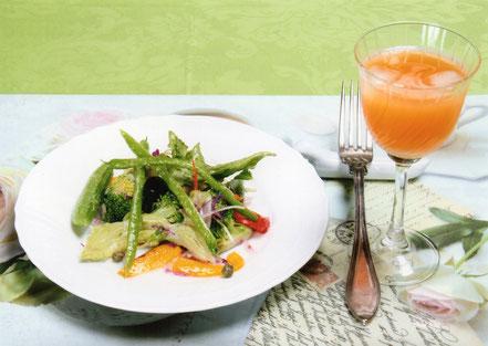 季節の苦野菜サラダ