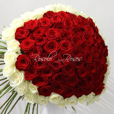 Grand bouquet de superbes roses rouges et blanches, taille large : CHF 680.