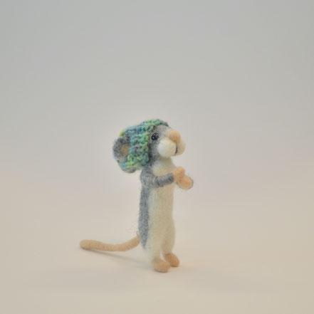 weisser Osterhase, Osterhase aus Filz, Filztiere, Tiere aus Filz, Filzhase, Filztier, Osterdeko, Figuren aus Filz, süsser Osterhase, Filzen, Filzen mit der Nadel, Nadelfilzen, Osterdekoration, Filzfiguren
