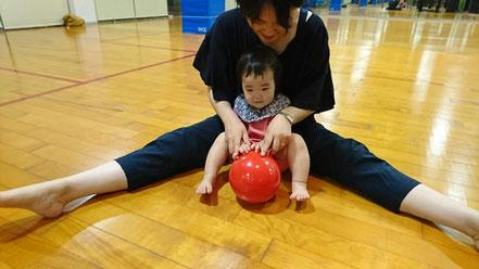 リトルスター・ピアノ・リトミック教室(in 前橋)お母さんと子供のレッスン風景 親子リトミック