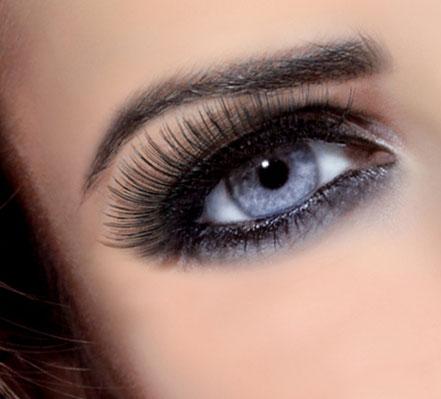 Ausstrahlung durch grandiose Augenbrauen