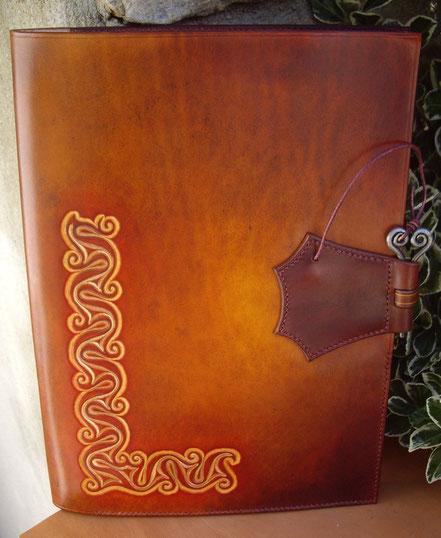 Grimoire conférencier cuir celtique