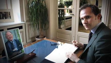 La Délégation générale du Québec à Paris a mis en place un registre de condoléances pour permettre à chacun de rendre hommage à l'ancien Premier ministre du Québec (2001-2003) Bernard Landry. J'ai eu l'occasion d'y écrire un mot que j'aimerais partager av
