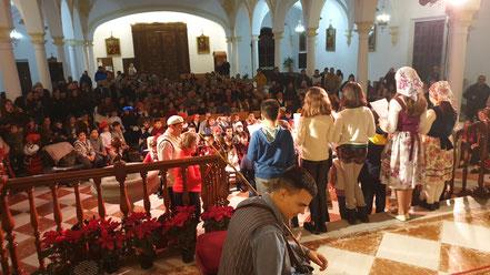 Fiesta de Navidad de los grupos de catequesis de la parroquia.