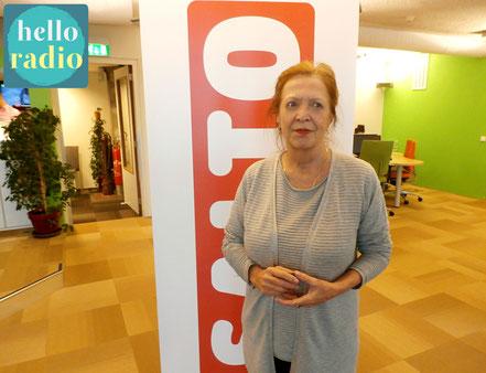 Bettina Reijn van Astrologische Vakvereniging Ned. bij Hello Radio