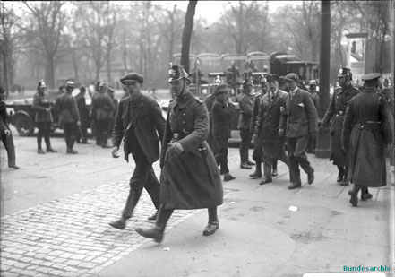 Berliner Polizei Mai 1929 Bundesarchiv Bild 102-07709