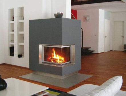 Heizkamin mit Speicheraufsatz für schnelle Wärmeabgabe