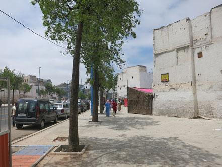 Avenue de l'Armée Royale (FAR), longeant la Medina