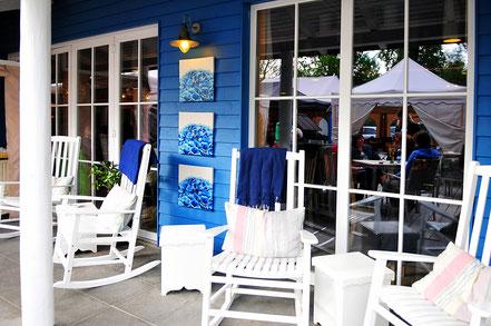 """Wir sind ein öffentliches Restaurant vor dem Eingang zum """"Park Camping am See"""" in Lindau. In ganz Lindau können Sie der Beschilderung zum """"Park Camping"""" folgen."""