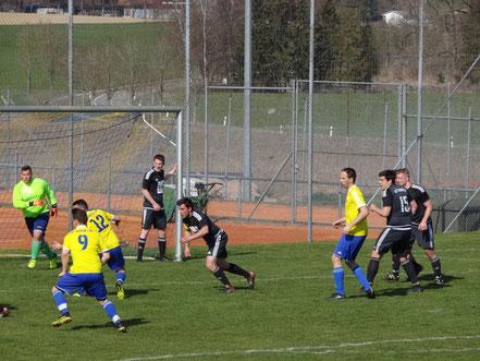 Innenverteidiger Stefan Amann (rechts) erzielte die 1:0 Führung.