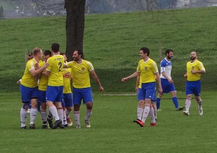 Bereits nach 3 Minuten bejubelten die Sportfreunde den Führungstreffer von Pascal Guter