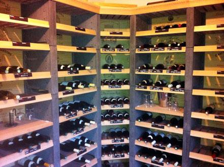 Cave à vins de grande capacité pour bouteilles millésimées