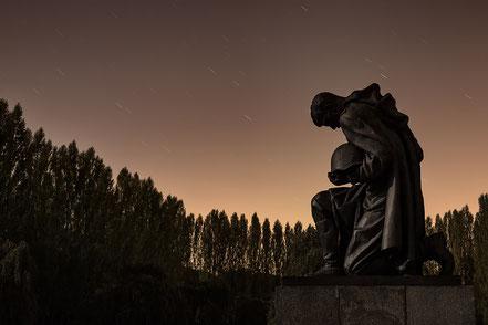 Sowjetisches Ehrenmal, Treptow, sovjet war memorial, Nachtaufnahme, nightshot, sternenhimmel, longexposure, Langzeitbelichtung, Soldat,