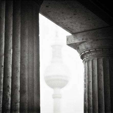 Berlin, Holger Nimtz, schwarz-weiß, monochrome, Mitte, analog, Analogfotografie, Fernsehturm, Fischerinsel, Alte Nationalgalerie,