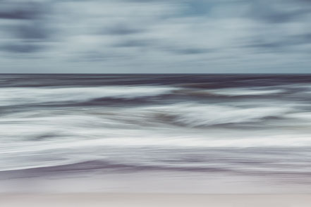 waves, North Sea, Nordsee, Fotokunst, Kunst, Art, Fotografie, photography, wall art, Streifzuege, Holger Nimtz, Streifen, strpies, dekorativ, impressionistisch, Impressionismus, abstrakt, Wandbild, malerisch, surreal, Surrealismus, verwischt,