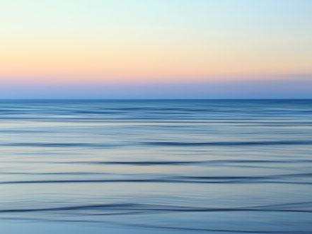 Mittelmeer, Mediterranean Sea, calm, Zypern, Fotokunst, Kunst, Art, Fotografie, photography, wall art, Streifzuege, Holger Nimtz, Streifen, strpies, dekorativ, impressionistisch, Impressionismus, abstrakt, Wandbild, malerisch, surreal, verwischt,