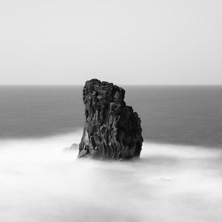Punta de Zamora, Rock, fineart, dekorativ, wallart, El Hierro, Canary Islands, Kanarische Inseln, Kanaren, Holger Nimtz, seascape, fine art, monochrom, Langzeitbelichtung, longexposure, minimalismus, minimalist, minimalism, minimalistisch,