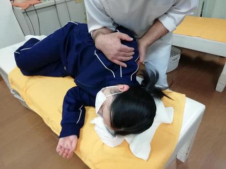肩甲骨周辺への手技療法