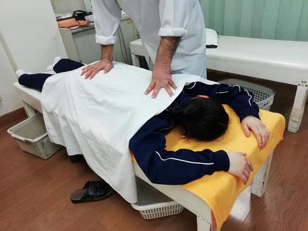 背部への手技療法
