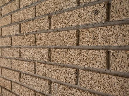 Wand aus Hanfsteinen
