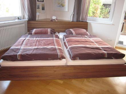 Doppelbett, Nussbaum