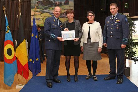 Chèque de 10.000€ pour la Fondation contre le Cancer