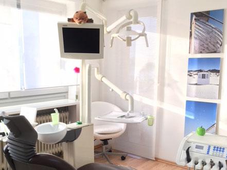 Behandlungsraum Zahnarztpraxis Raluca Lammers